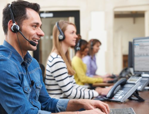 Traditional customer service vs new digital customer self-service